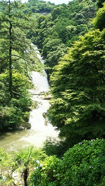 見返りの滝
